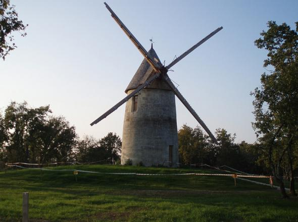 Moulin de Cercles, de face