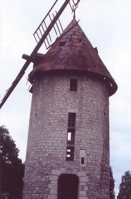 Moulin de Largny avant restauration en 1997