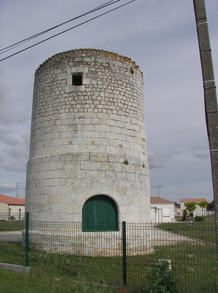Moulin à St Just Luzac