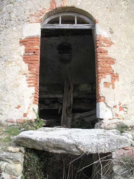 Ancien moulin de m zerville for Piscine du moulin a vent
